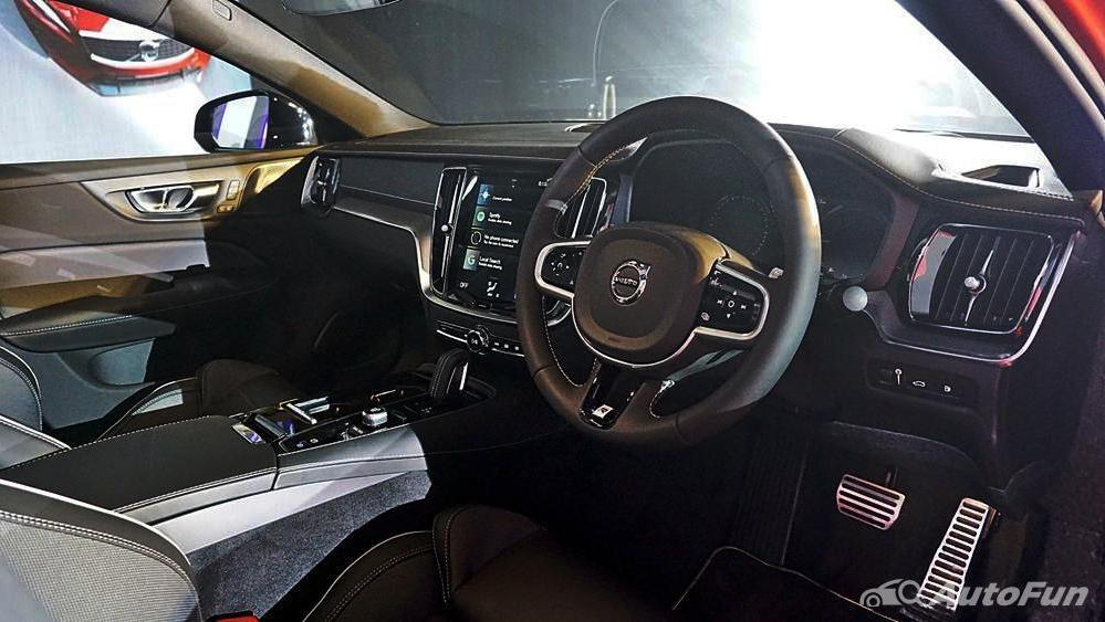 Volvo S60 2019 Interior 002