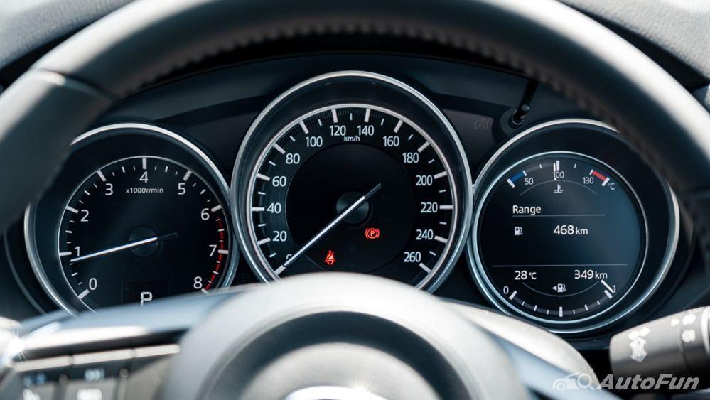 Mazda CX 8 2019 Interior 008