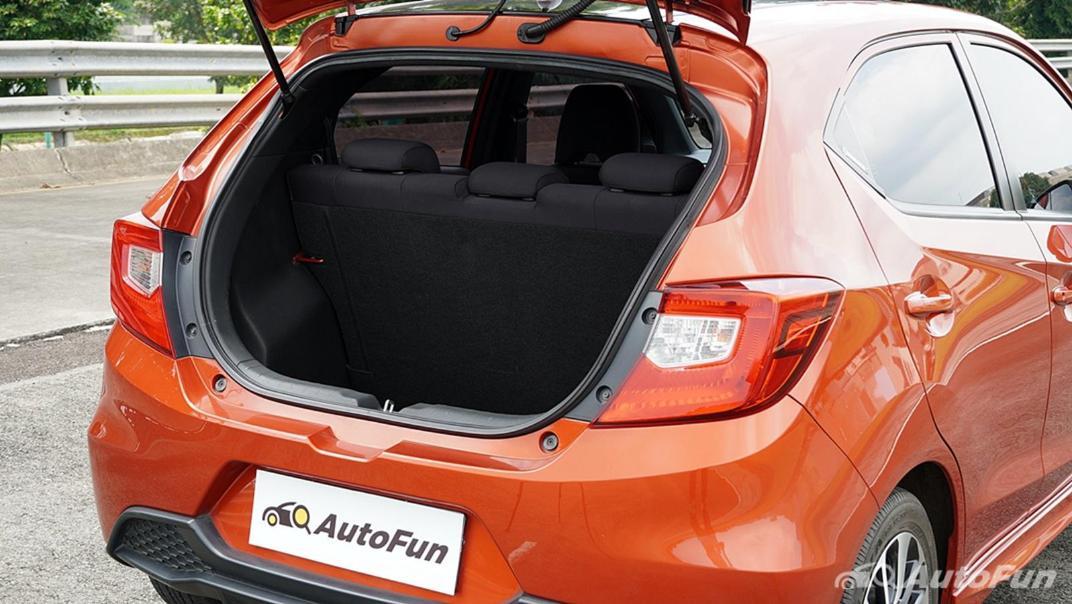 Honda Brio RS CVT Interior 027