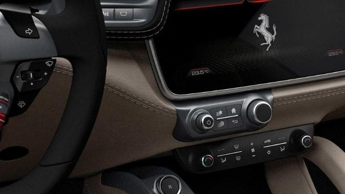 Ferrari GTC4Lusso 2019 Interior 004