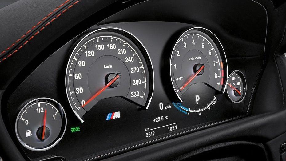 BMW M4 Coupe 2019 Interior 003