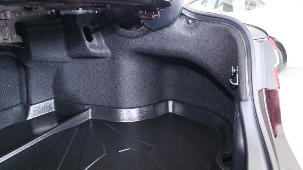 Toyota Camry 2019 Interior 040