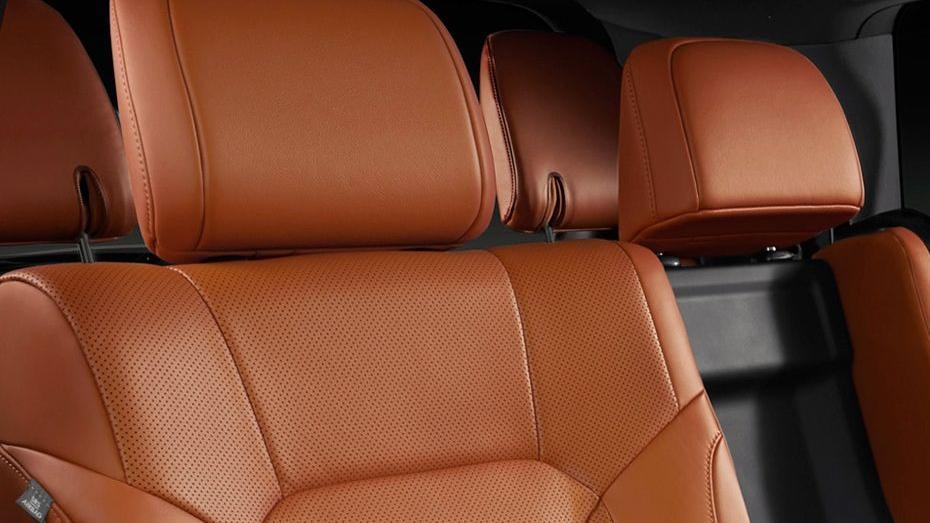 Lexus LX 2019 Interior 004
